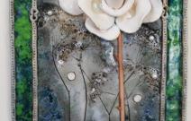 Белая роза. Шамот, фаянс, глина, смальта.