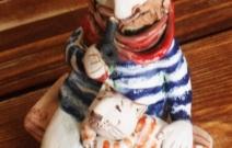 Матрос и кот. Шамот, фаянс, глина, смальта..
