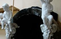 Купидоны в стиле барокко. Каминная скульптура.