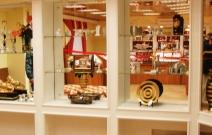 Декор лепниной интерьера в классическом стиле. Магазин «Русское золото», Ижевск.